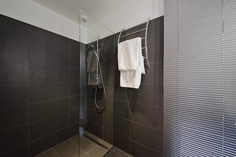 Négoce de carrelage Haute Garonne :  salle de bain douche italienne